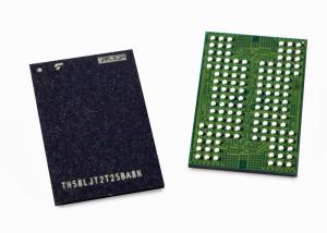 Eerste exemplaren van de BiCS5-flash-chips met 112 lagen. Foto: Kioxia.