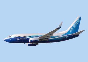 Een B737-700 van Air Berlin in Boeing-kleuren. Foto: Arcturus/Wikipedia; gewijzigd; GNU-FDL 1.2.