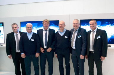 Bernd Hantsche, Director Product Marketing Embedded & Wireless (Rutronik), Wolfgang Kemmler, Industrial Sales Manager (Wilk Elektronik), Thomas Rudel, CEO (Rutronik), Wieslaw Wilk, Founder and Owner (Wilk Elektronik), Andreas Hofmann, Senior Manager Product Marketing (Rutronik),Frank Bittigkoffer, Deputy Director Product Marketing Embedded & Wireless (Rutronik) (from left)
