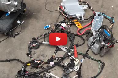 Tesla Model 3: een striptease in de garage