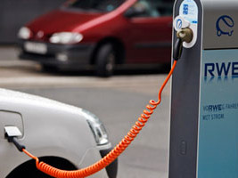 The coming breakdown of the power grid (Or: why electric cars can work only if consumers turn to smart charging)