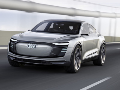 Achtung Elon, fast Audi approaching from rear