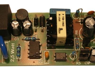 2,5 Watt Version - geregelt +/- 2% mit Softstart