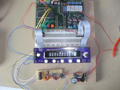 Rechts vorne jetzt ein Step-Up-Wandler für die 32V Anodenspannung.