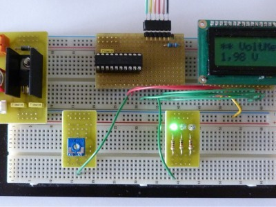 Voltmeter example : 7805 - PIC16F690 - Display LCD ....