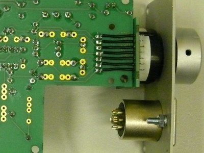 Detailed view on connections rotary switch to amplifier PCB