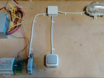 Prototyp Aufbau. Zuleitung der Wechselschaltung wird durch den ClosedLoop Sensor geführt