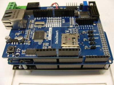 Bild 4: Die Innereien Arduino Mega2560, Ping-Cube Shield, Net Shield