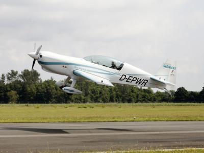 Neuer Elektromotor von Siemens fliegt in die Luft!