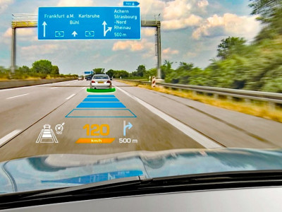 Projekt IBELIVE: Neuartige optische Bauteile für die Automobilindustrie