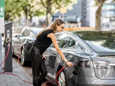 Europäische Elektromobilität nimmt Fahrt auf