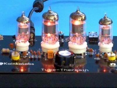 Thérémine « vintage » à tubes électroniques