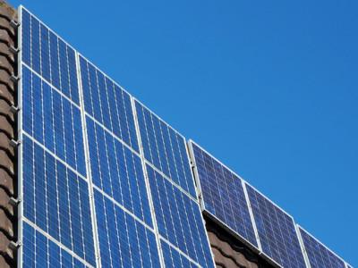 Zonneverf produceert rechtstreeks waterstof uit vocht in de lucht