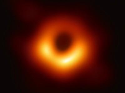 Eerste opname van een zwart gat