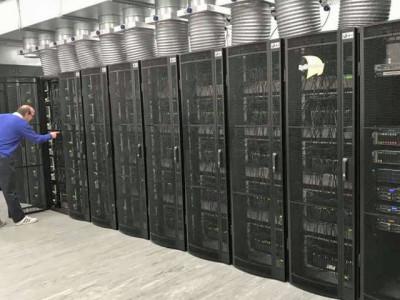 Human Brain: Supercomputer met 1 miljoen processoren ingeschakeld