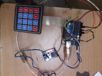 CAN Bus master with 4*4 keypad for transferring command