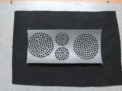 Sticking the speaker grill cloth