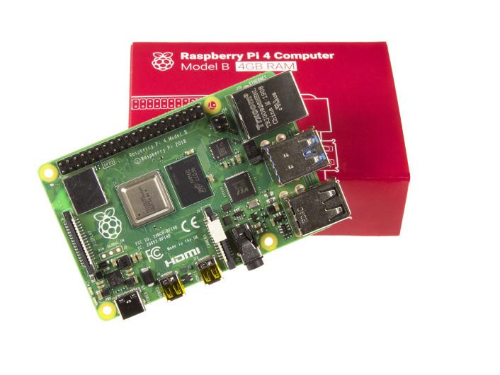 NEU: RaspberryPi4 (4 GB RAM). Bild: Jack Jamar / Elektor.