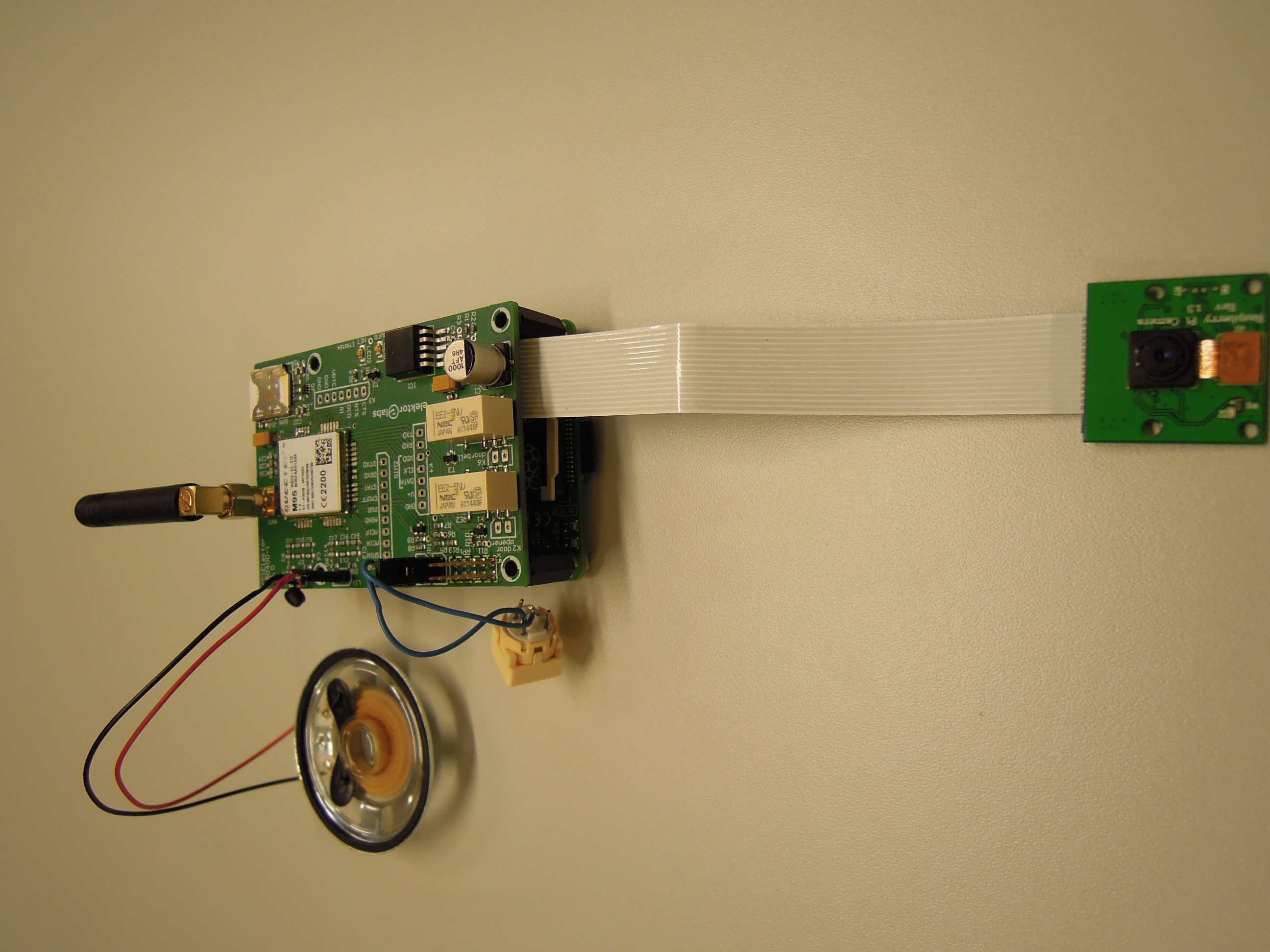 Raspberry Pi Doorbell Bodyguard 150400 Elektor Labs Circuit Board Pcb For The Main Project In Book 39robot Building Magazine