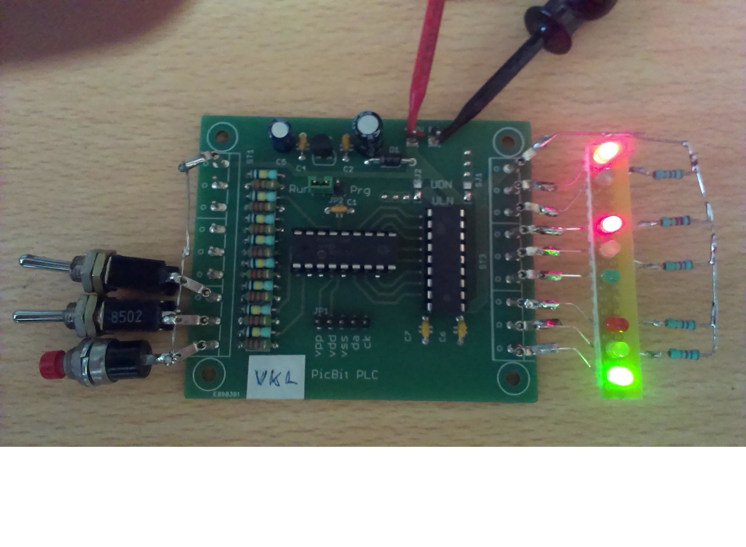 A Traffic Light System For The Modell Railroad Elektor Labs Question Electronics Forum Circuits Projects And Microcontrollers Magazine