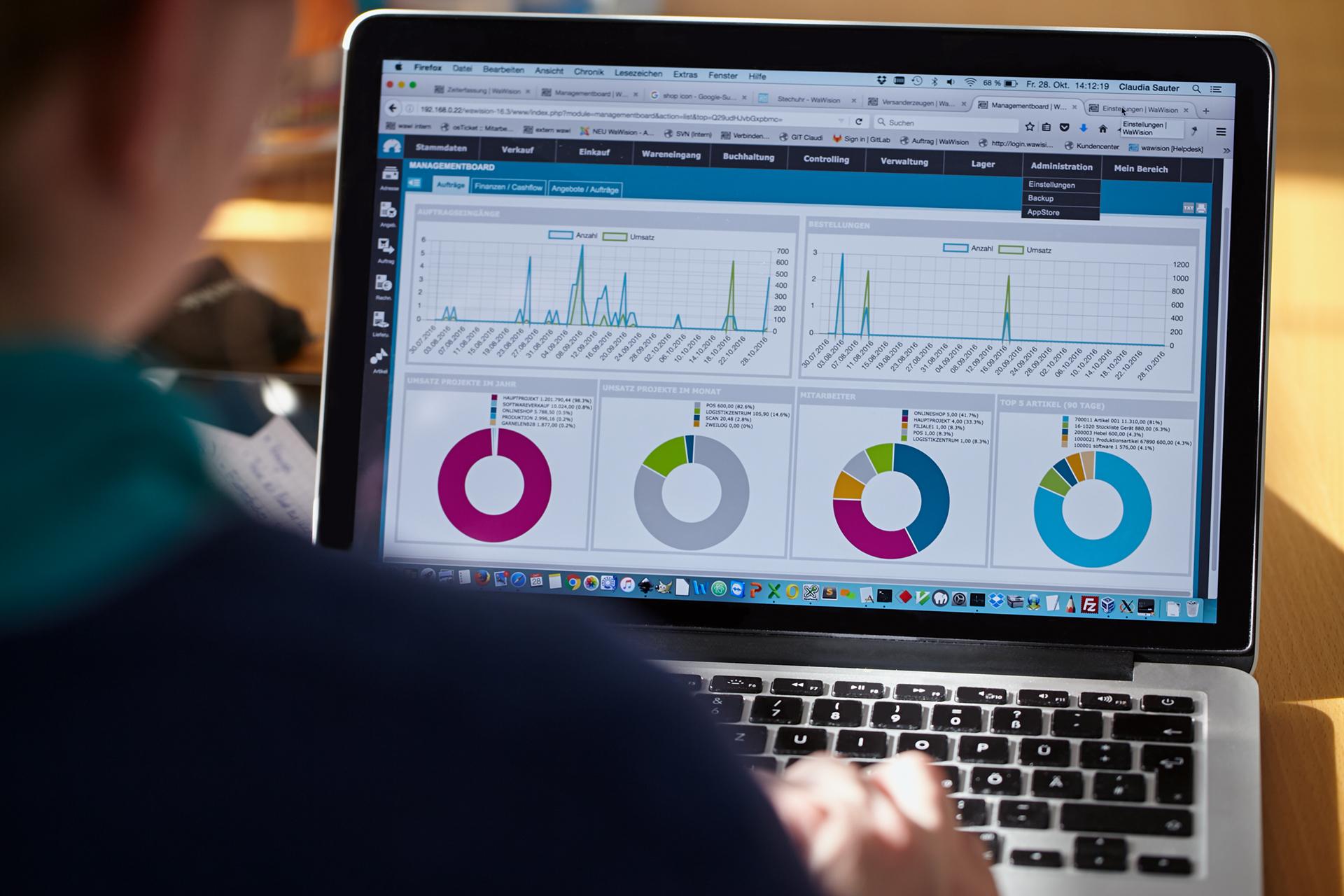 WaWision: Wie aus einer ursprünglich eigenentwickelten ERP/CRM Software eine komplette Lösung für Elektroniker und Bestücker entstand