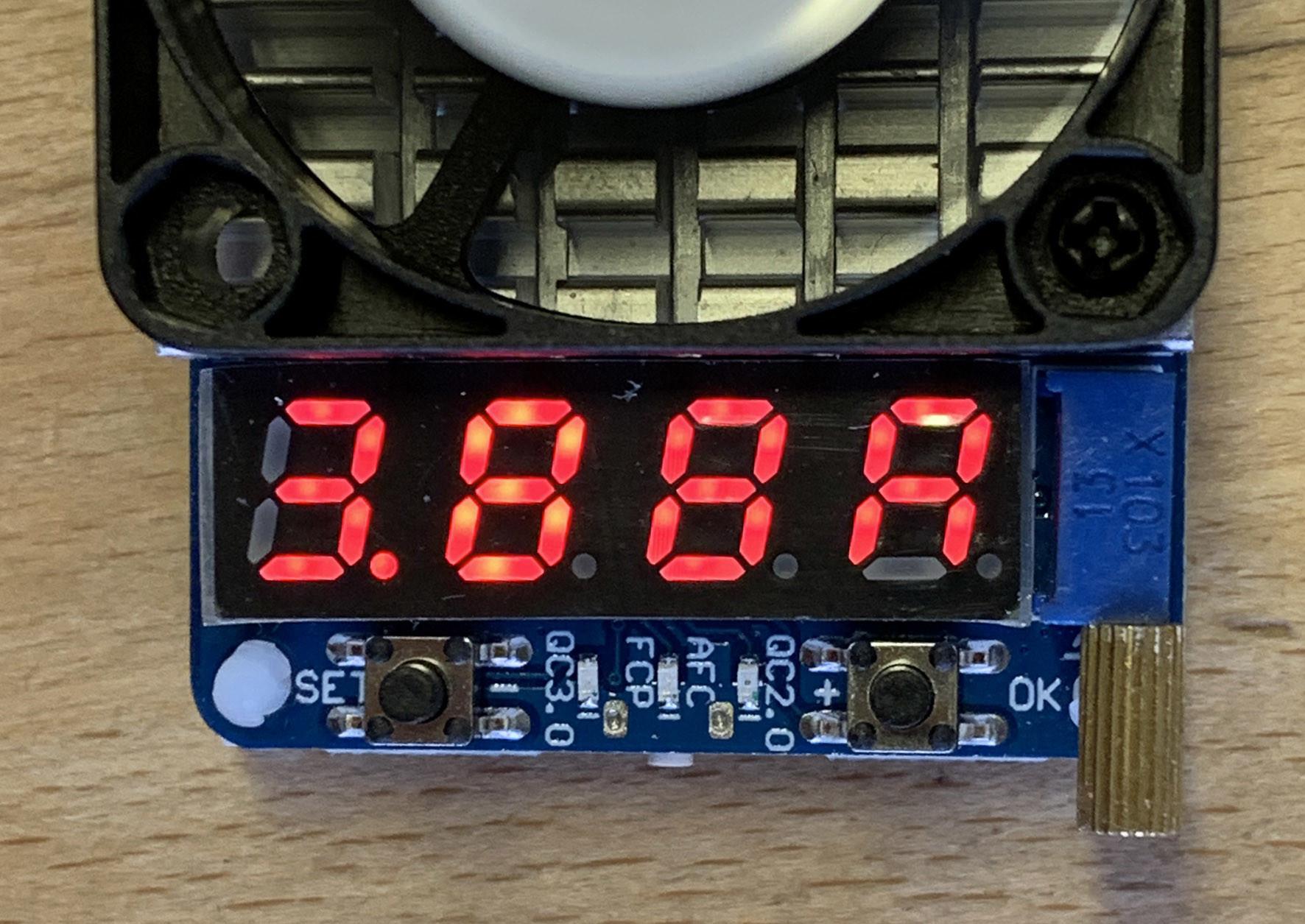 Elektor - Banc d'essai : charge électronique USB Joy-IT HD35