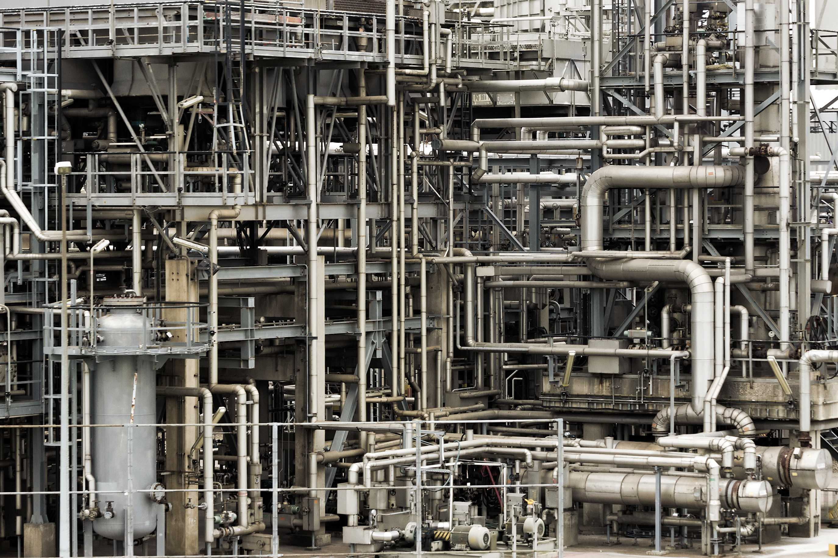 Refinery obsolescence management