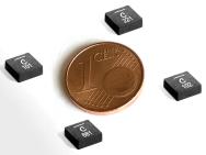 Vergleich von Spulen der XEL5020-Reihe mit einer 1-Cent-Münze.