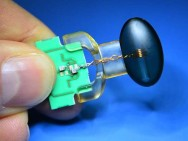 Ultra-sensitive magnetic field sensor