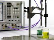 Dielektrische Materialmessung mitKeysight-Analysator