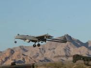 Start einer Drohne vom Speedbag Airfield in Kalifornien.
