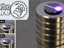 Licht steuert magnetisches Schweben