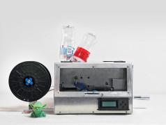 3D-Drucker mit leeren Wasserflaschen füttern