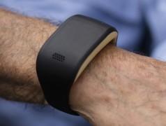 Intelligentes Armband wacht über ältere Menschen