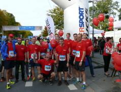 Das Elektor-Team schickte 13 enthusiastische Läufer ins Rennen.