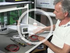 Elektor.TV   Rohde & Schwarz HMC8043 PSU Review : Qu'est-ce que ça vaut ?