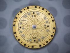 Een 8-qubit kwantumprocessor van Rigetti Computing. Bron: Rigetti Quantum Computing Inc.
