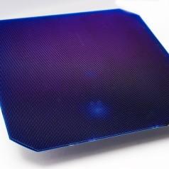 Doppelseitige Solarzellen mit höherem Wirkungsgrad