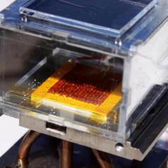 Extracteur d'eau atmosphérique à énergie solaire
