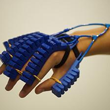 'Zachte' robothandschoen uit de 3D-printer