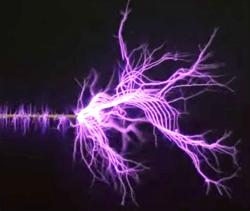 Fraaie vonken uit de Tesla-spoel