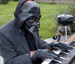 Elektor-video-Olympics-MicroTesla-Darth-Vader
