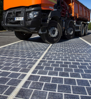 1000 km of highways surfaced with Photovoltaics