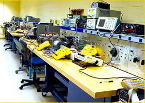 Crazy Xmas @ Elektor: Win home lab equipment worth €2,500
