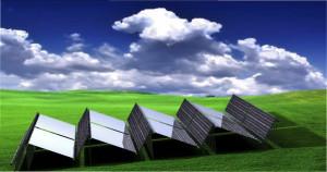 Reflektoren in den Zwischenräumen von Solarpanels. Grafik: Joshua Pearce et. al.