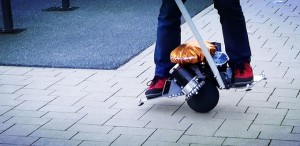 Selbstbalancierender 360-Grad-Scooter. Bild: Kickstarter / Olaf Winkler