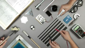 Melden Sie sich an für den kostenlosen Elektor-Newsletter und gewinnen Sie ein Touch Board Pro Kit im Wert von 165€!