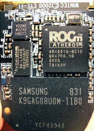 Carte de mémoire SD à géolocalisation et interface WiFi incorporées