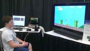 Plus besoin de mains : Super Mario a l'œil