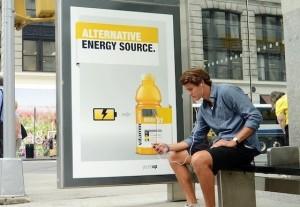 Panneaux publicitaires chargeurs de batteries